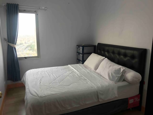 COZY STAY 2BR APT Free WiFi Near Central Park Mall
