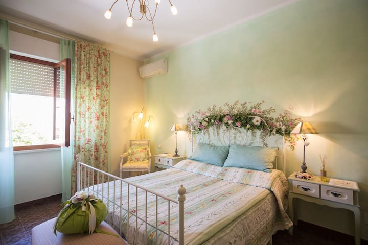 room Bed and Breakfast near the sea Tuscany coast - Capanne-Prato-Cinquale - Bed & Breakfast