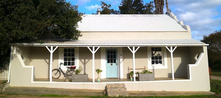 Heritage Home in Stanford (long term rental)