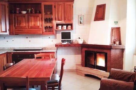 Confortevole appartamento/stanza privata - Montemiletto - 公寓