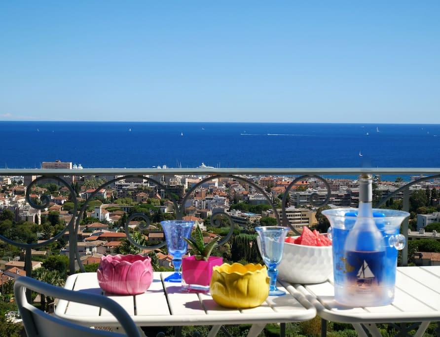 Vue panoramique de la terrasse du studio