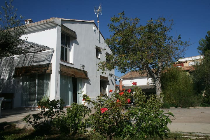 Espadán, family country house near the beach