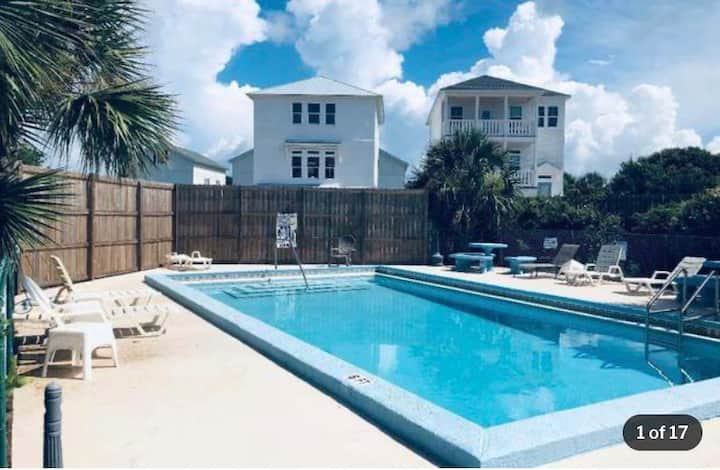 New Listing! Virtually work or school at the Beach