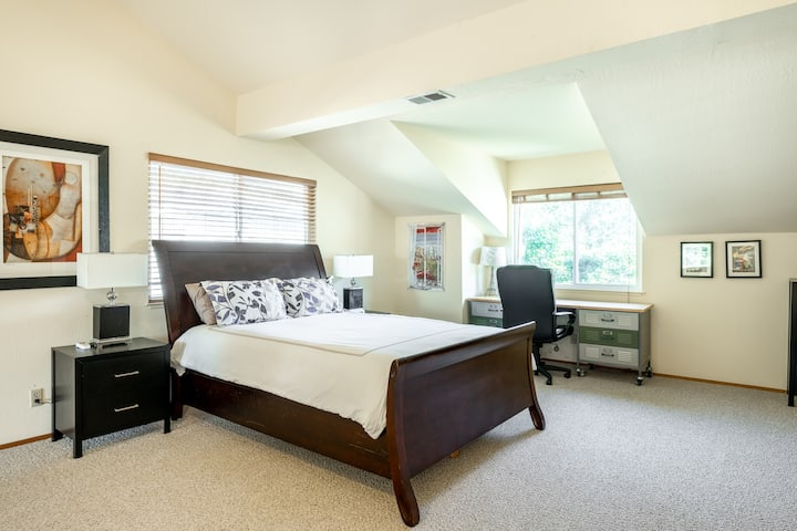 Master Suite with Private Entrance/Kitchenette