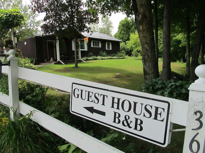Private Guest House Bed & Breakfast Open All Year