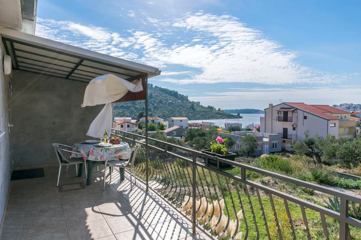 Two Bedroom Apartment, seaside in Rogoznica, Balcony