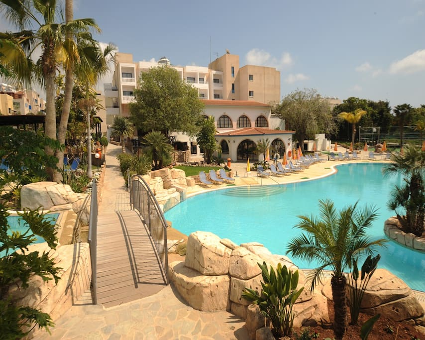 Gardens Pool