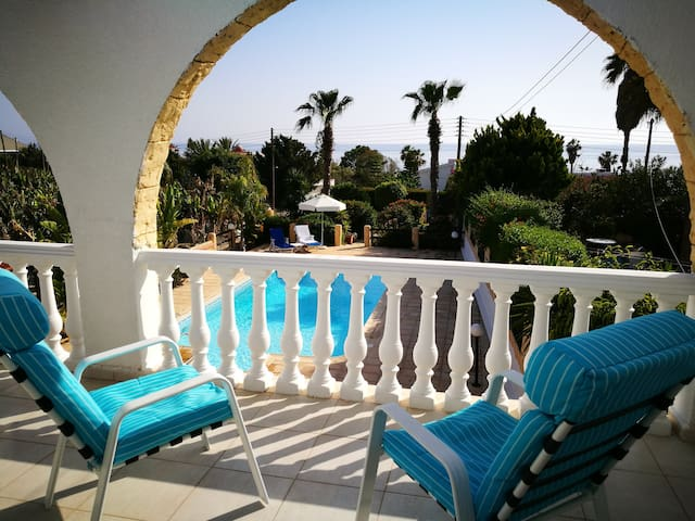Seaview Villa on the coast of Peyia-Paphos
