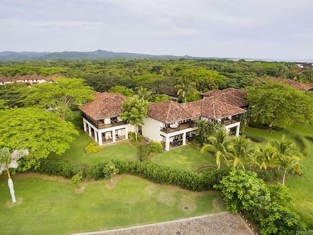 Luxury 3BR Villa in Hacienda Pinilla