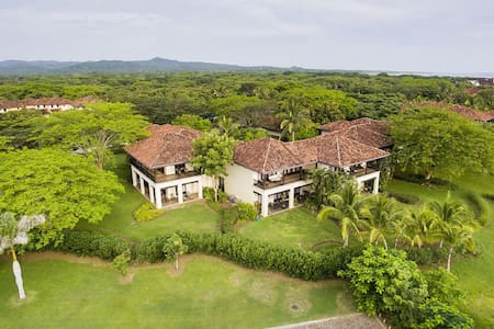 Luxury 3BR Villa in Hacienda Pinilla