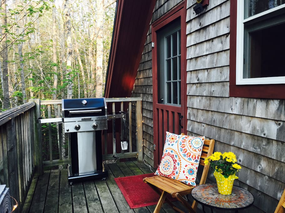 A charming porch and propane BBQ