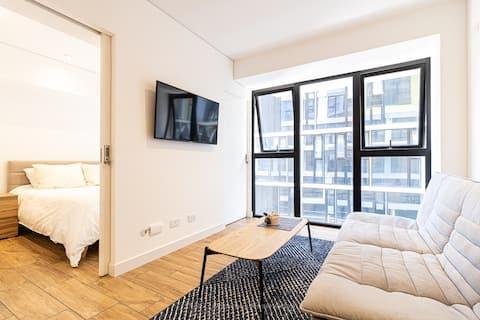 Easy Living. One bedroom comfort. 808
