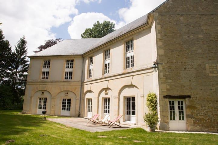 Castle de Tilly - Authentic and warm XVIII century
