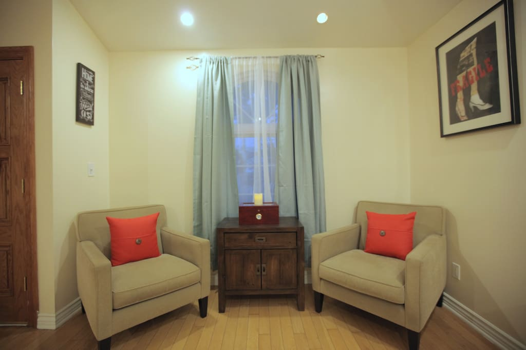 Converse or consume tea/coffee in this nook for two!