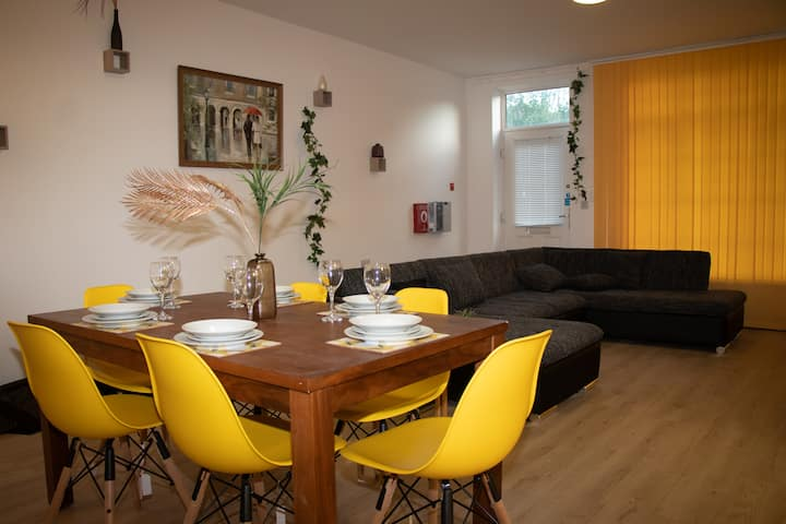 LUXURY EN SUITE ROOM  IN HOUSE FOR A TEAM