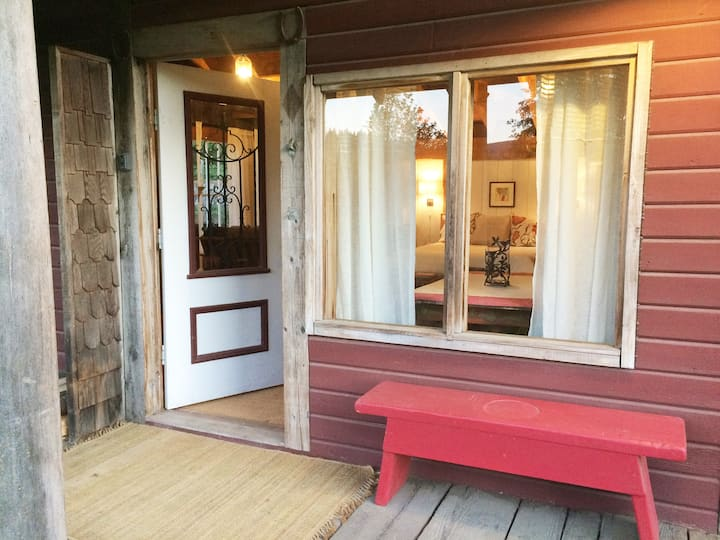 Private Guest Suite on the White Salmon River