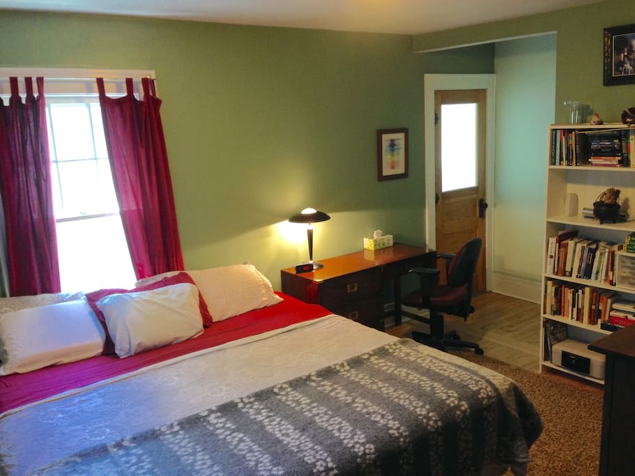 Comfortable private room.  Big and airy. Clean sheets between guests or once a week!