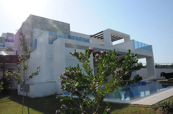 Villa: Private Pool & Beautiful countryside views