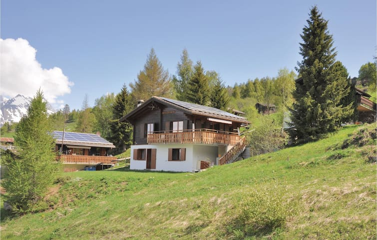 Holiday cottage with 4 bedrooms on 100m² in Büchen