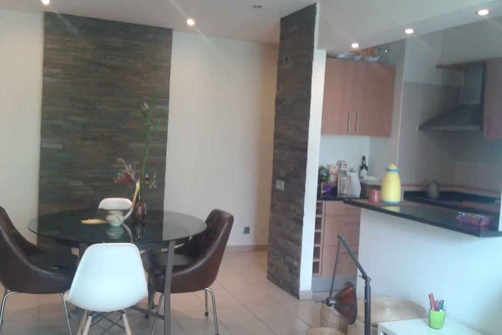 Sala de estar e kitchenette