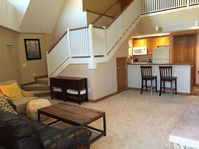 Ski Condo-Great Location / Minutes to Beaver Crk - Avon - Condominio