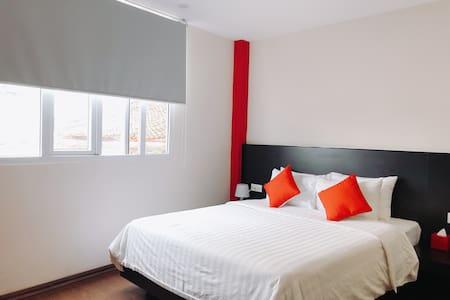 Bedroom, Double bed, window