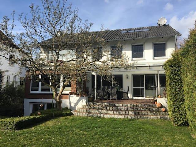 Schönes Privatzimmer in Toplage (1) - Minden - Huis