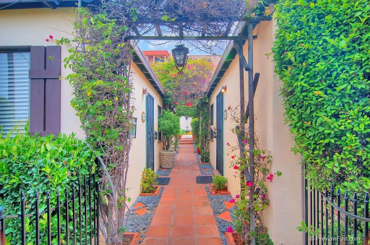 Fresh Lovely 1bed Old Town Perfect Location 82 1/2 - San Diego - Apartment