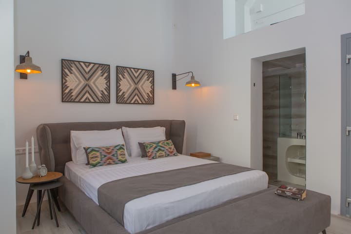 Naxos Riviera Suite 2