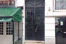 Porta de entrada do prédio