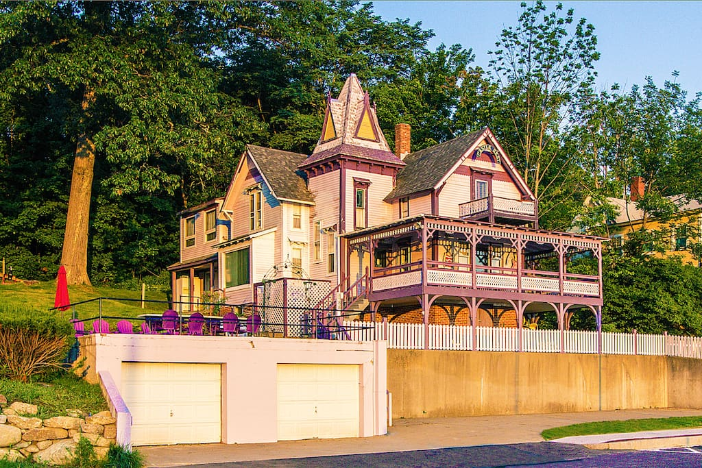 Castle Rest Victorian Home In Weirs