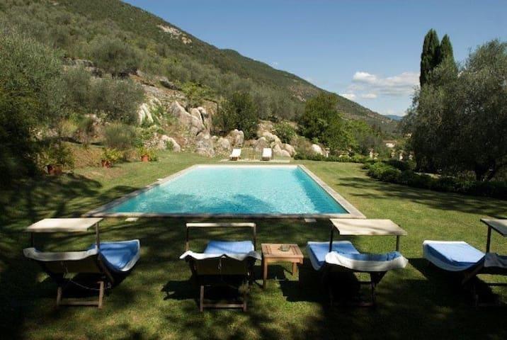 Historical Villa Daniela in the countryside