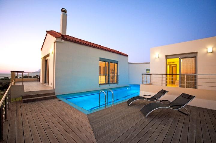 Luxury Villa, Breathtaking Sea & Mountain View!