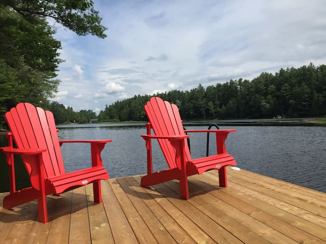 Newly renovated four bedroom Muskoka cottage