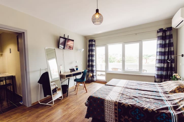 Studio 1 in a city centre apartment below Old Town
