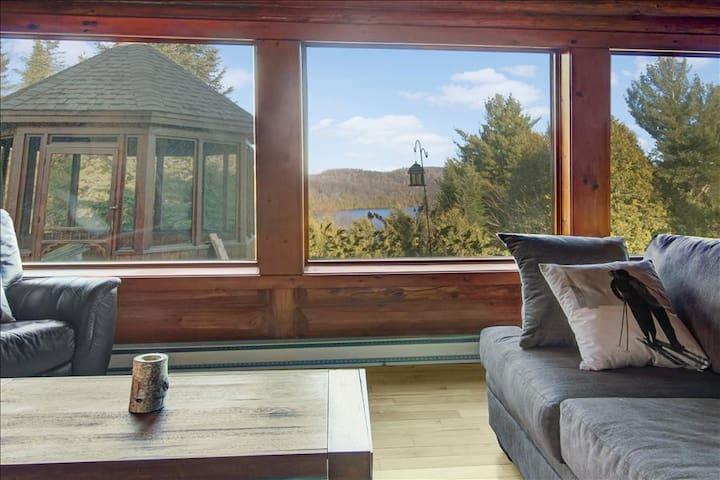 HOWARD'S LODGE -  spa and lake view