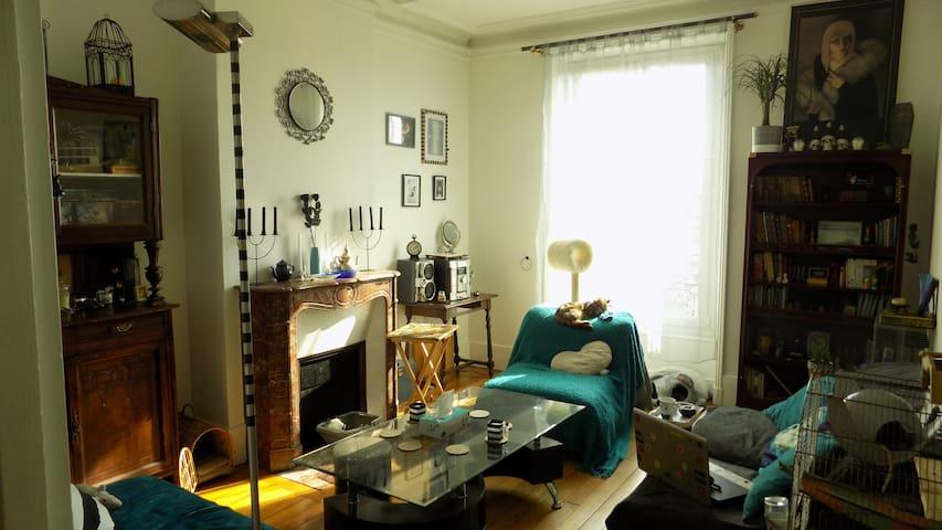 Canapé-lit près de la gare Lagny/Thorigny