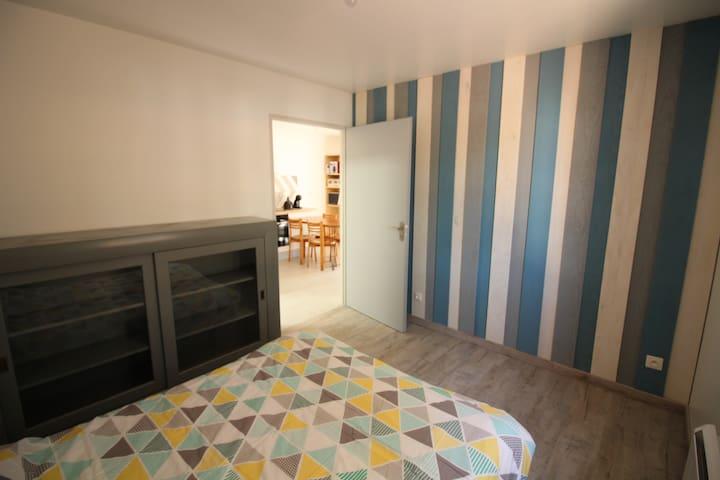 Chambre avec lit double (vue 1)