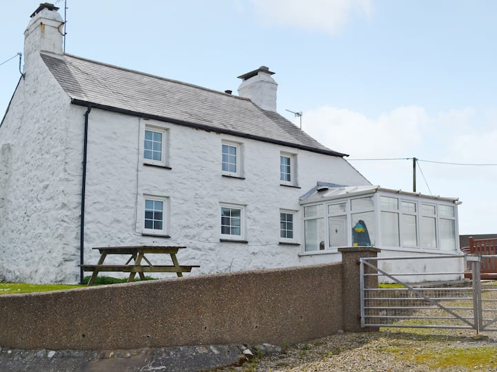 Porth Cormon Farmhouse (29856)