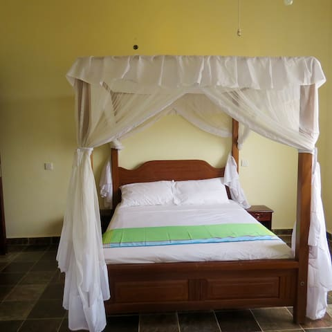 Ensuite bedroom with double bed