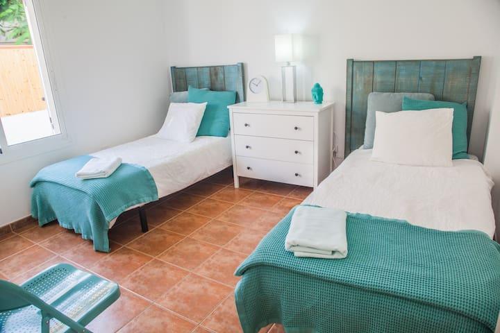 main floor bed room 2