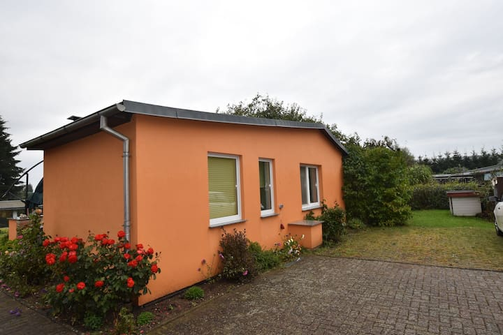 Cosily furnished holiday bungalow
