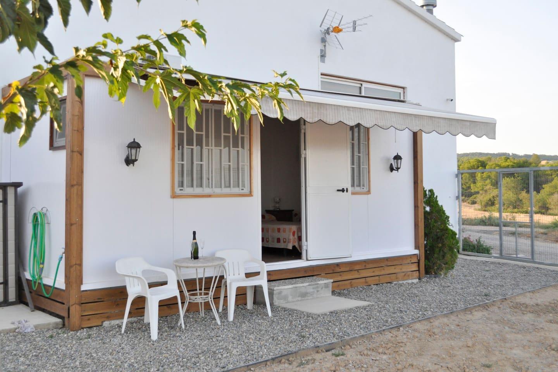 Nuestro alojamiento en verano / Our mobile home in summer