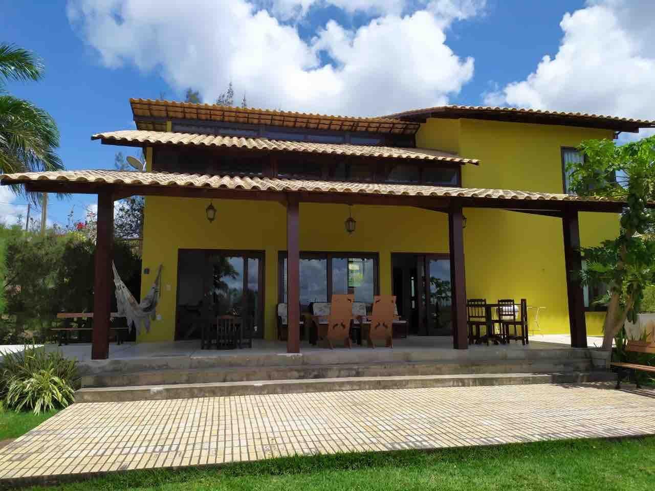Uma das mais lindas casas de Gravatá projetada pelo arquiteto Renato Menezes .