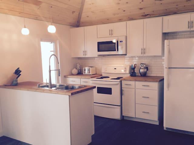 Cottage on Harris Lake, Ontario - Pointe au Baril - Stuga