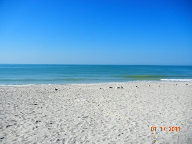 South Seas top 2 floors 2bed 2ba ON the beach2533 - Captiva