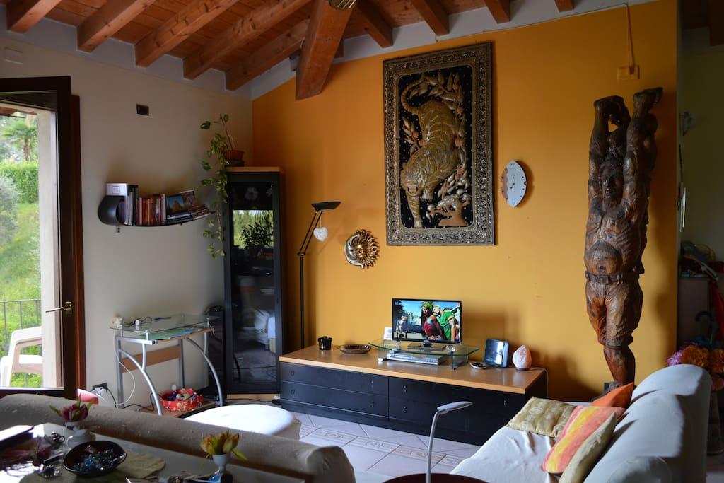 Zona salotto - LIVING ROOM