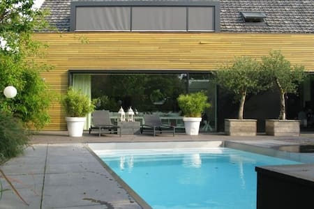 Villa with Swimming-pool near Amsterdam (14 pers) - Abcoude