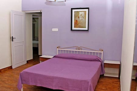 Bungloguru - Room at Lovely 4BHK Coonoor Cottage - Coonoor - Banglo