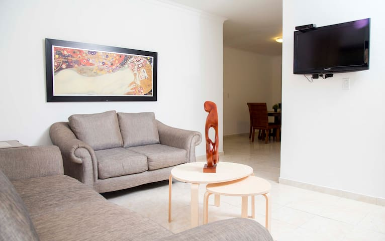Gazcue (Malecon) Sto. Dgo., 3 Bedroom Apartment. - Santo Domingo - Lägenhet